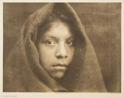 """A Makah Maiden"" par Edward S. Curtis, photogravure, reproduction : Christian Vignaud"